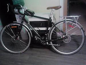 Vélo Sedna  louis Garneau 24 vitesse brake a disque