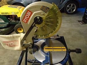 Ryobi 10 inch Miter Saw With Laser on Collapsible Stand SET