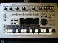 Roland MC 303 Groovebox - synth & drum machine
