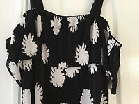 ladies Warehouse Bardot top in black with white flower print Brand New 12