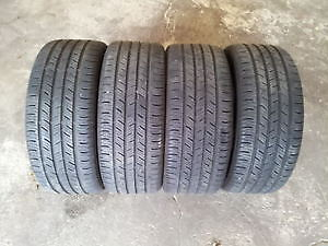 SLIGHTLY USED SET OF 4X ALL SEASON TIRES michelin or goodyear