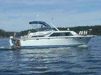 Beautiful 36ft trailerable Tri-Cabin Cruiser