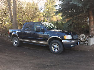 2001 Ford F-150 SuperCrew Lariat Pickup Truck