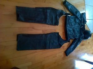 for sale -a vendre motorcycle leather suit (Large)