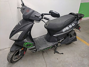 EMMO TITAN BLACK AND GREEN E-BIKE NO LICENCE NEEDED $1000!!!!!