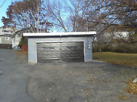 Lot with a double driveway and 2 vehicle Garage