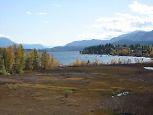 Invermere Lake Front Condo with Amazing View/2 Bdrm+Den