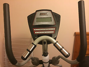 FREE SPIRIT FS282 ELLIPTICAL