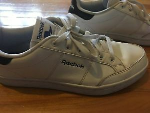 Reebok Classic Shoes Perfect condition (Worth 120$)-Souliers