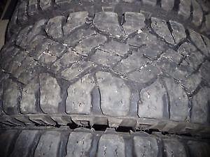 4 pneus d'hiver LT245/75/17 Goodyear Wrangler Duratrac