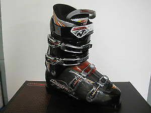 Nordica Sportsmachine 12 SKi Boots Size 260 West Island Greater Montréal image 1