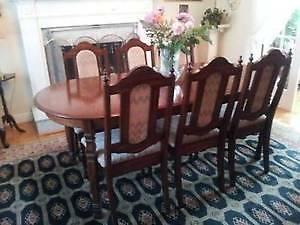 Beautiful Wooden Dining Table & 6 chairs, Excellent like NEW! West Island Greater Montréal image 1
