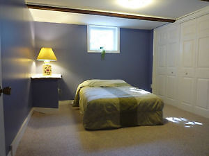 Nice bedroom in the west end avaible on May 1st