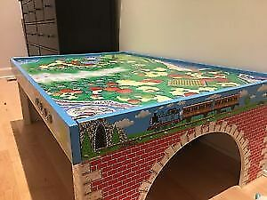 Thomas the Tank Engine play table for trains