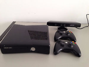 Xbox 360 Slim 4GB Console and Kinect