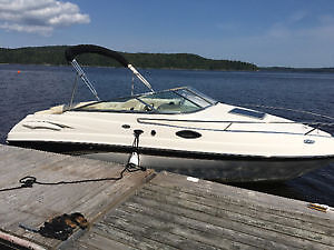 Chaparral 215 SSi Cuddy Boat - Low Hours