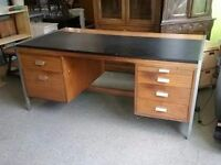 20% OFF ALL ITEMS SALE - Desk - Can Deliver For £19
