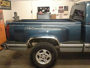 WANT TO BUY STEPSIDE TRUCK BOX