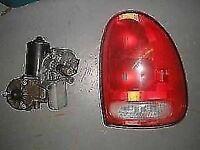 Phare arrière droit rouge de Plymouth Grand Voyager 1999