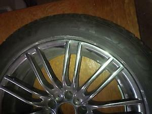One Dunlop M/S 245-50-R18 on Rim