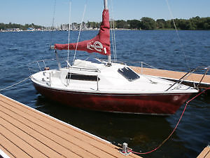 Fantastic Small Sailboat with Electric Motor and Sleeps 4 people