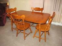6 Peice table chairs Buffet and Hutch