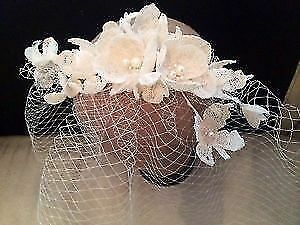 Vintage inspiered design! Stunning headwear with a net and lace!