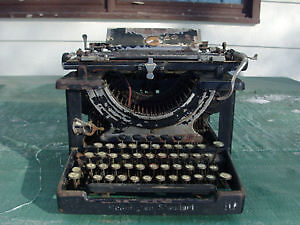 Looking for an old working typewriter, pre-electric