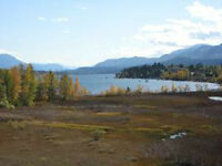 Lake front vacation condo in Invermere  with amazing view!!!