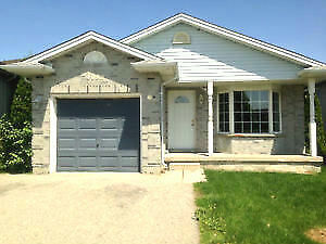 FANSHAWE: 5 BEDROOM HOUSE FOR STUDENTS STEPS TO CAMPUS - MAY 1
