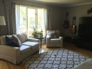 Room for rent in beautiful St.Boniface Home