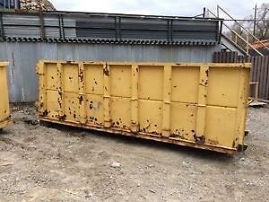 ***Looking for used Hooklift / Roll off Bins***