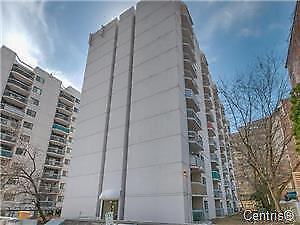 GOLDEN SQUARE MILE CONDO HUGE SUNNY  LIVING ROOM BEST PRICE !!!!