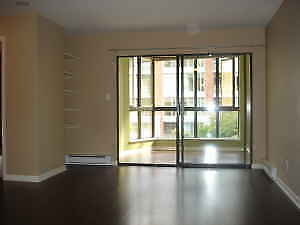 Yaletown Condo for Rent - 1BR+ Den