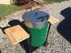 Ducks Unlimited charcoal BBQ never used