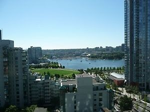 Sophisticated Furnished 1 Bedroom + Den Condo in Yaletown #403
