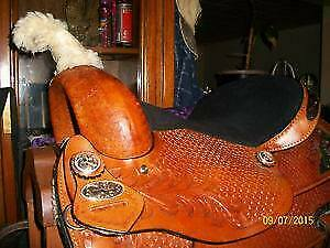 15 inch Western treeless Barrel trail saddle package