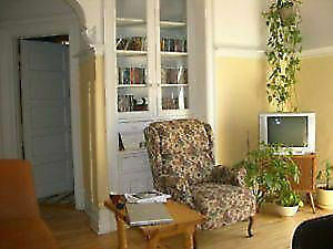 2 Rooms In Mile end/Outremont Available May 1