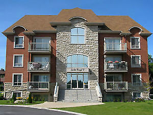 TWO BED RENOVATED CONDO DDO CLEAN AND SPACIOUS 1100+ SQFT