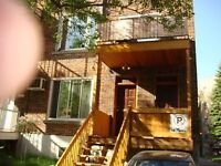 6 1/2 furnished avaIl immediately  near monkland vill