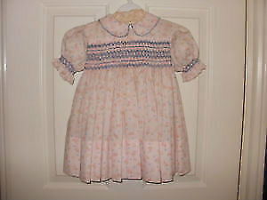 **Adorable !! Hand Smocked Baby Girls Dress !!! **