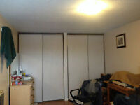 Large room available in house (Jan1st) - Walkley&Heron