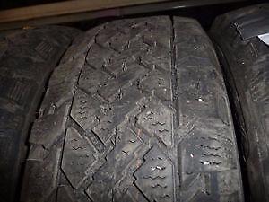 4 pneus d'hiver 195/60/15 Snowtrakker Pacemark