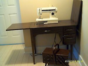 Kenmore Zigzag Sewing Machine\Cabinet\Chair