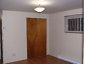 Lachine bachelor 2 1/2  located in quiet area