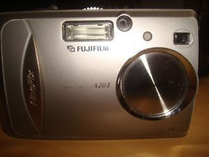 Fuji Finepix A203 - digital camera: * BONUS! card reader