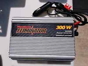 Motomaster Elliminator 300W Automotive Inverter