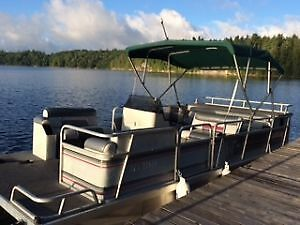 Lowe 20ft Pontoon Boat - Must Sell!