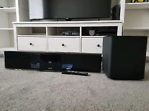 Samsung wireless home theatre system soundbar with blueray player