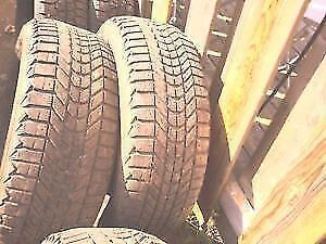 Taille des pneus (diamètre)17 po.  pneus bon pour 1 ou 2 hivers